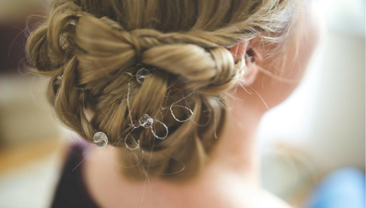 8f9598eee Spoločenské účesy pre všetky dĺžky vlasov | Tipli