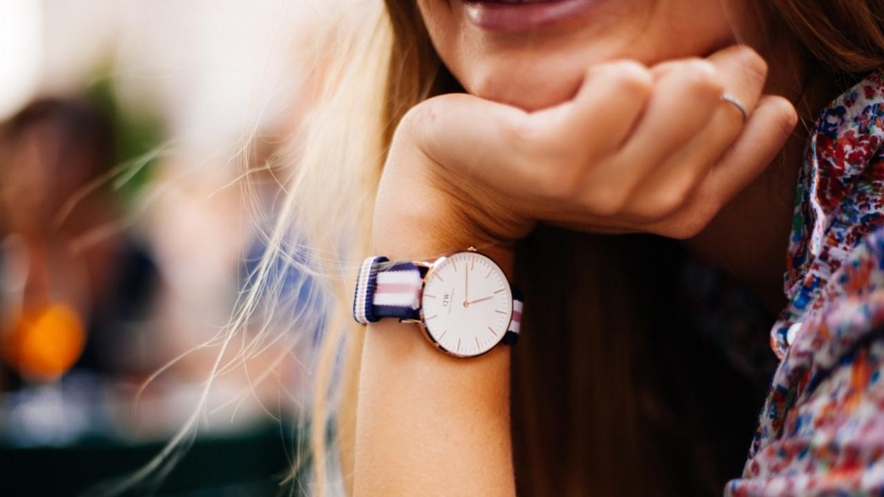c92f6b5f76 Štýlové hodinky z AliExpress
